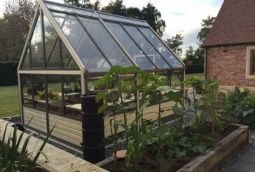 Greenhouse Buyers: Quality vs. Price