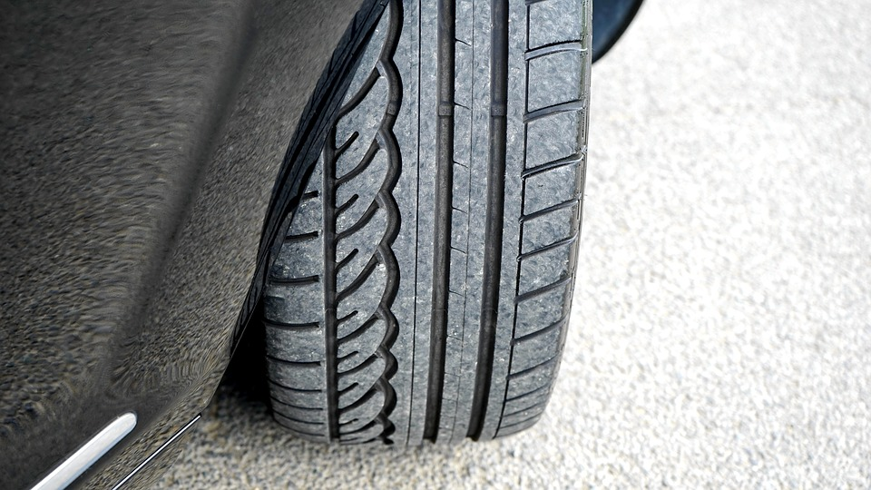 How to Inspect Tyres for Wear