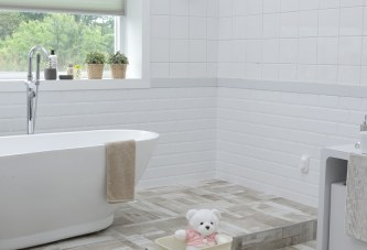 7 Ways To Keep Your Bathroom Fresh